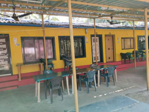 Anandi Home Stay - Budget Home stay in tarkarli