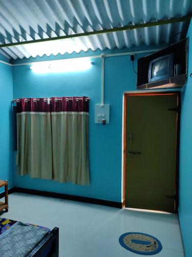 Rooms Amenties in Anandi Home Stay